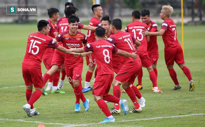 ĐT Việt Nam nhận hàng loạt lời chúc đặc biệt từ trời Âu trước giờ quyết đấu Thái Lan