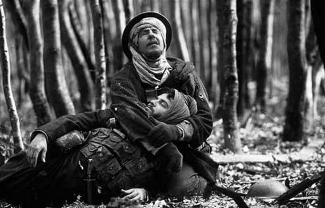 Bị chiến hữu nổ súng định trừ khử, người lính giữ im lặng, 30 năm sau mới tiết lộ sự thật không ngờ - Ảnh 2.