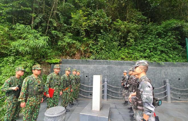 Biên phòng Việt Nam – Trung Quốc tuần tra song phương - Ảnh 2.