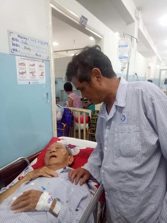 Diễn viên Bác Ba Phi Mạc Can bị tai nạn giao thông, tình trạng nguy kịch - Ảnh 1.