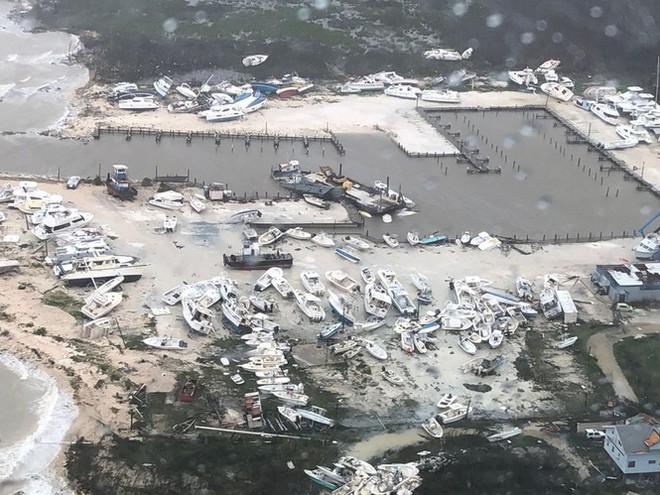 Dân Mỹ nín thở đón bão 'quái vật' vừa đoạt mạng 20 người ở Bahamas - Ảnh 3.