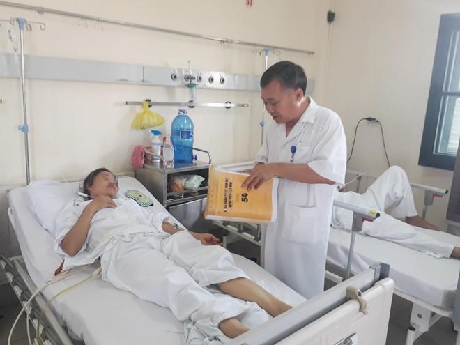 Từ cõi chết trở về bệnh nhân chia sẻ lý do hỏng gan mật, nhiều người Việt cũng đang mắc - Ảnh 1.