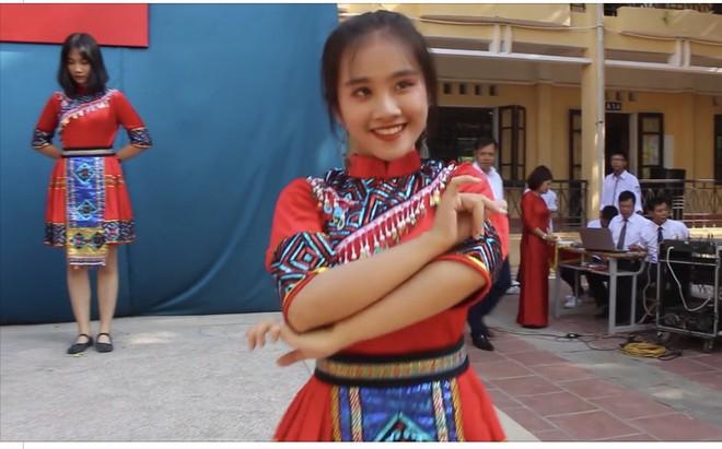 Danh tính nữ sinh Hưng Yên có màn trình diễn gây bão like trong ngày khai giảng  - Ảnh 2.