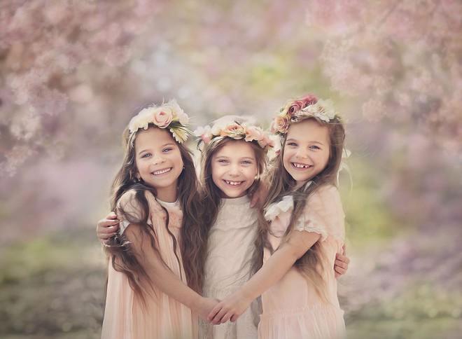 Lần đầu sinh đơn, lần hai sinh đôi, lần kế tiếp sinh ba cô con gái đẹp như hoa hậu  - câu chuyện có thật của 1 gia đình đông con - Ảnh 25.
