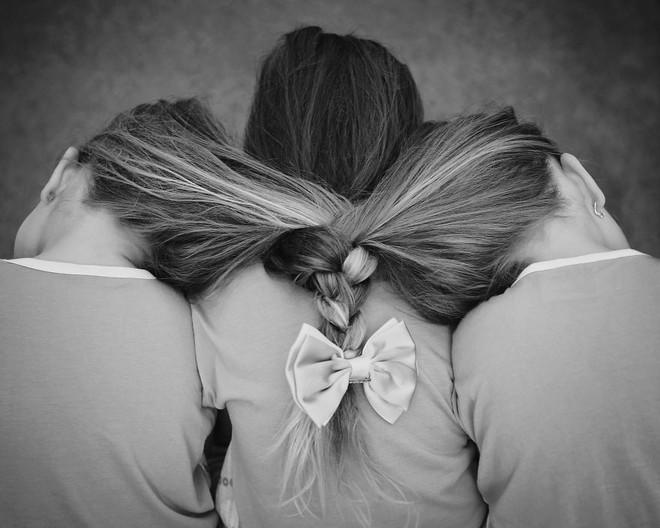 Lần đầu sinh đơn, lần hai sinh đôi, lần kế tiếp sinh ba cô con gái đẹp như hoa hậu  - câu chuyện có thật của 1 gia đình đông con - Ảnh 27.