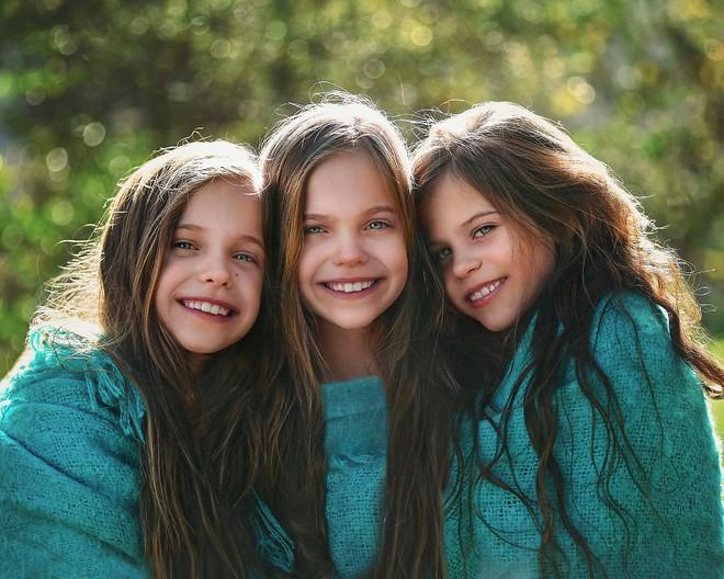 Lần đầu sinh đơn, lần hai sinh đôi, lần kế tiếp sinh ba cô con gái đẹp như hoa hậu  - câu chuyện có thật của 1 gia đình đông con - Ảnh 29.