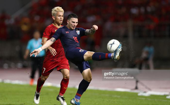 Hồng Duy: HLV Park dặn vì màu cờ sắc áo, đá rắn nhưng không chơi xấu