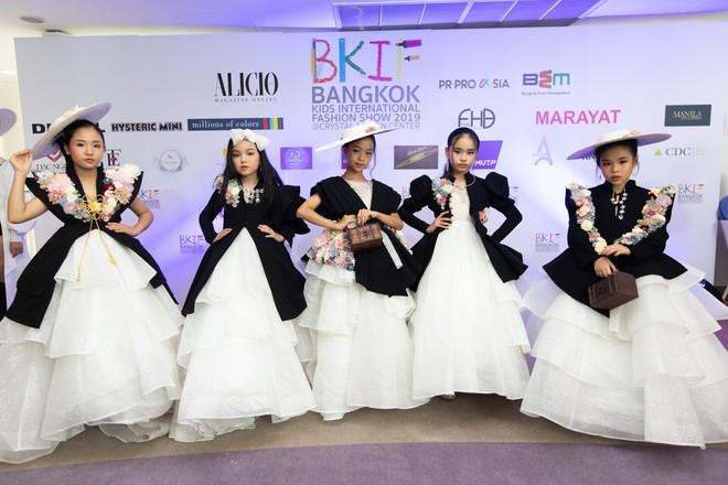 Mẫu nhí Việt khuấy đảo sàn diễn Bangkok International Kids Fashion Show 2019 - Ảnh 3.