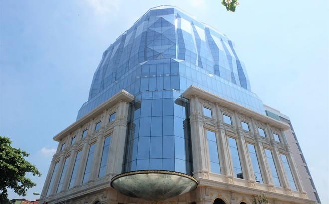 Ngắm tòa nhà hình viên kim cương khổng lồ siêu độc ở Hà Nội
