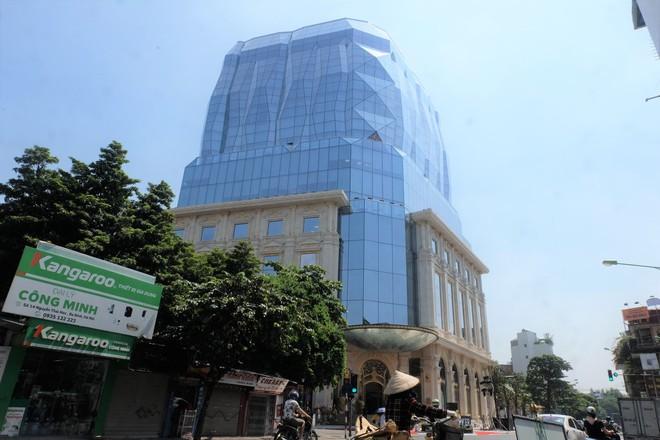 Ngắm tòa nhà hình viên kim cương khổng lồ siêu độc ở Hà Nội - Ảnh 1.