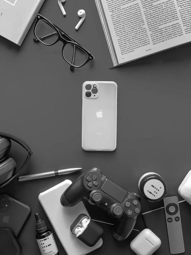 Hãng sản xuất ốp lưng tuyên bố đã có trong tay siêu phẩm iPhone 11, đây là loạt ảnh chứng minh - Ảnh 2.