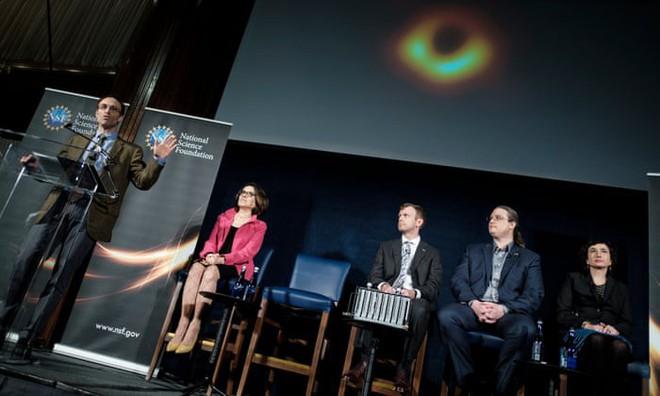 Săn được quái vật vũ trụ gấp 6,5 tỷ lần Mặt Trời, nhóm tác giả được thưởng khoản tiền lớn - Ảnh 6.