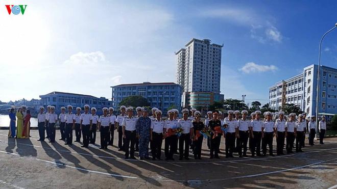 Tàu Hải quân 18 kết thúc chuyến tham gia diễn tập AUMX - Ảnh 1.