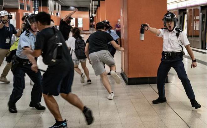 """Chính quyền Hong Kong lên tiếng về tin đồn """"có người chết"""" trong cuộc biểu tình ở ga tàu"""