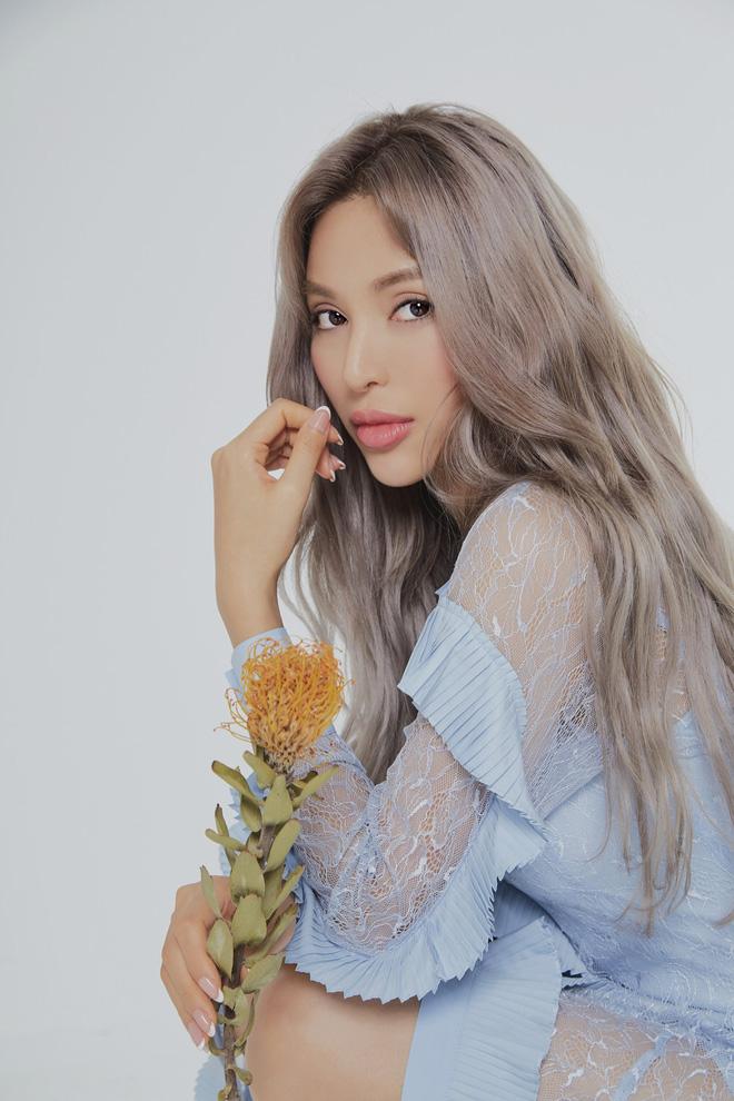 Siêu mẫu Khả Trang khoe vẻ đẹp cuốn hút khi xuất hiện trên báo Hàn - Ảnh 10.