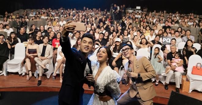 Phạm Quỳnh Anh bật khóc trước hàng nghìn khán giả - Ảnh 16.
