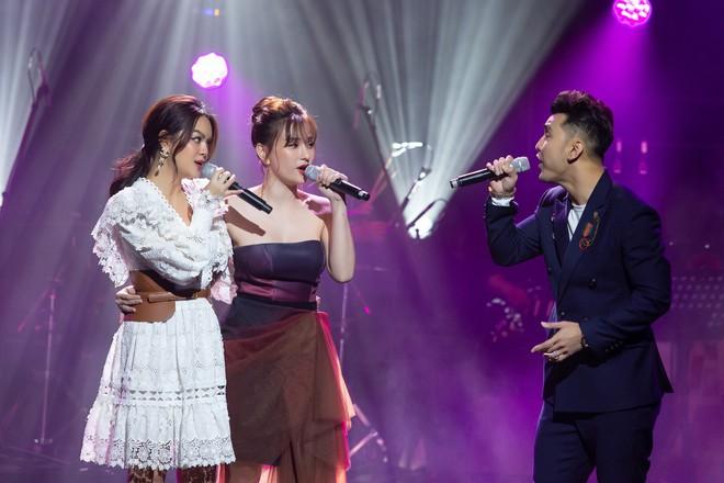 Phạm Quỳnh Anh bật khóc trước hàng nghìn khán giả - Ảnh 14.