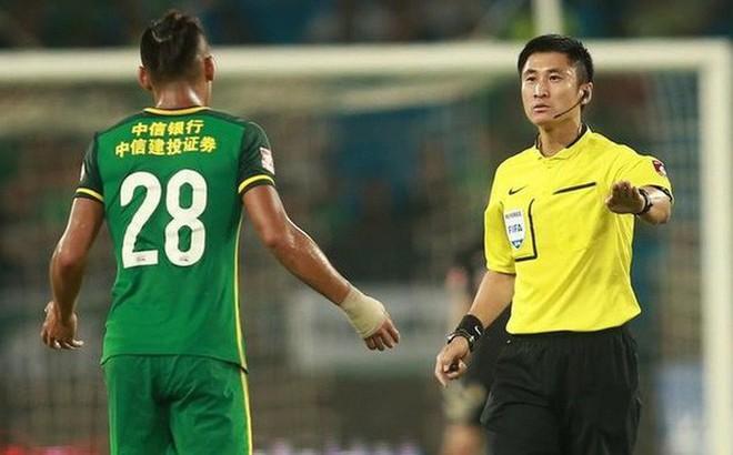 Thái Lan lo lắng khi tái ngộ trọng tài tai tiếng người Trung Quốc ở trận đấu quan trọng