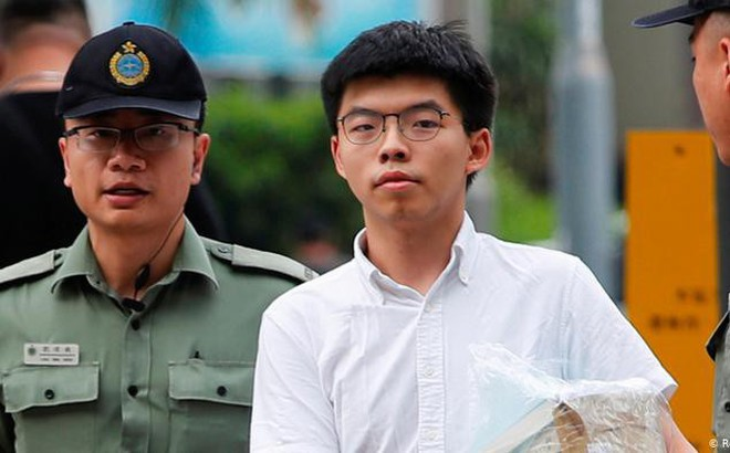 Cựu thủ lĩnh sinh viên Joshua Wong lại bị bắt giữ sau khi trở về Hong Kong