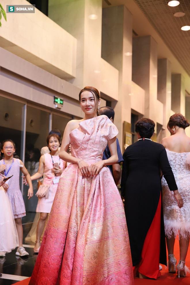Vợ Trường Giang - diễn viên Nhã Phương: Tôi bị stress, khủng hoảng sau sinh - Ảnh 1.