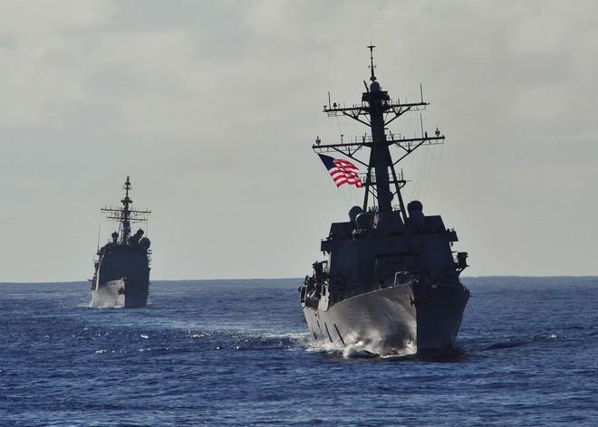 Chiến hạm Mỹ mang tên lửa Tomahawk diễn tập cùng ASEAN trên biển Đông - Ảnh 1.