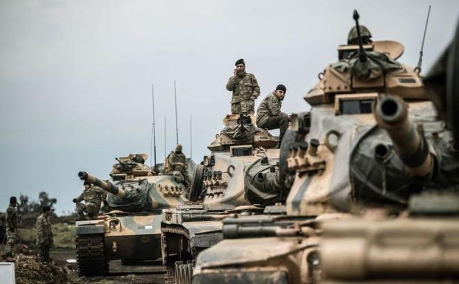 """30.000 xe tải Mỹ chở đầy vũ khí tới miền Bắc Syria: Tổng thống Erdogan """"giận sôi"""""""