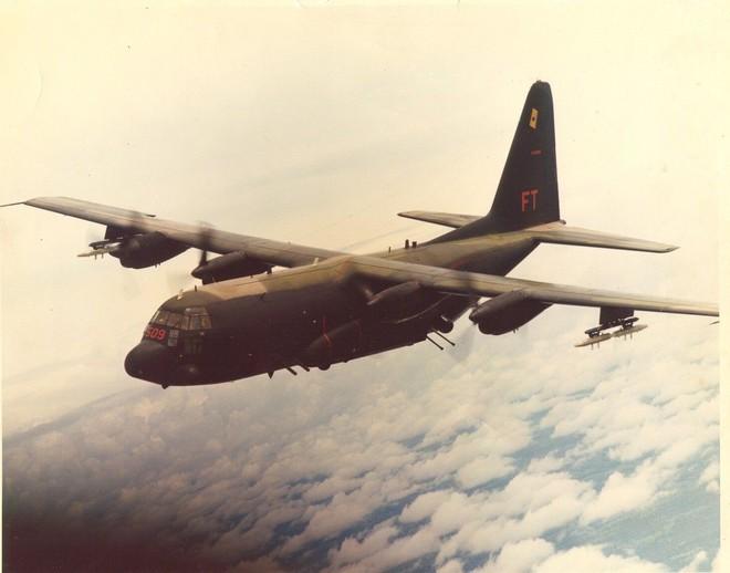 Mỹ loại biên cựu chiến binh cuối cùng: Mở sang trang sử mới với tân binh AC-130J - Ảnh 4.