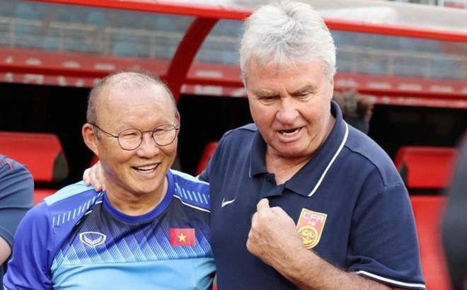 HLV Park Hang Seo cúi đầu trước ông Hiddink: Trọng thầy mới được làm thầy!
