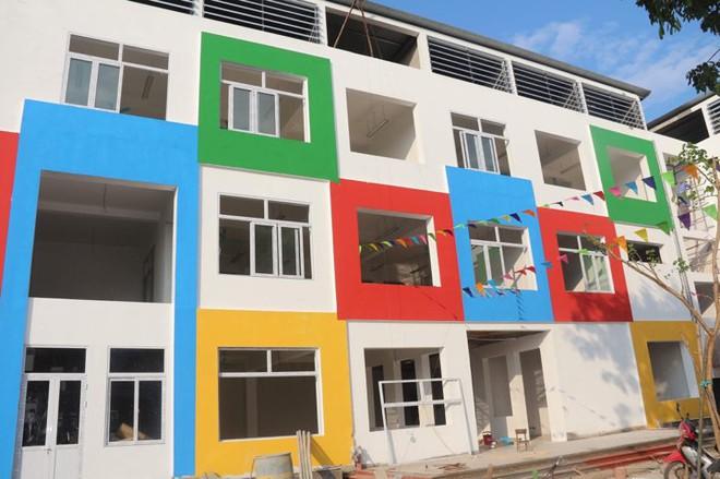 Hà Nội: Phản đối xây trường mới ở thôn khác, phụ huynh không cho con đi khai giảng - Ảnh 2.