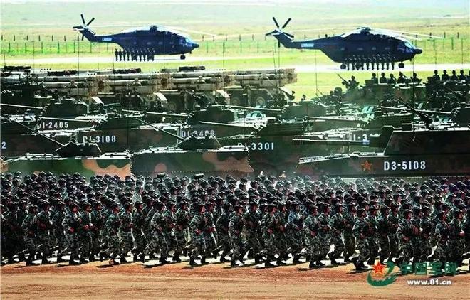 Nhìn lại những cuộc duyệt binh đáng nhớ nhất của Quân đội Trung Quốc - Ảnh 8.