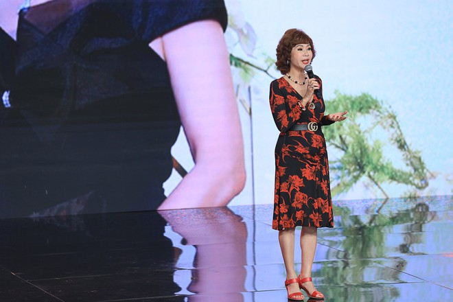 Ký ức vui vẻ: Vỡ òa khi Hoa hậu HTV lần đầu xuất hiện, tiết lộ tuổi thật U60 khiến ai cũng ngỡ ngàng - Ảnh 4.