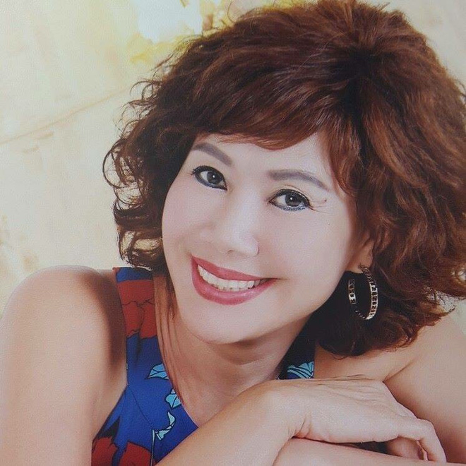 Ký ức vui vẻ: Vỡ òa khi Hoa hậu HTV lần đầu xuất hiện, tiết lộ tuổi thật U60 khiến ai cũng ngỡ ngàng - Ảnh 6.