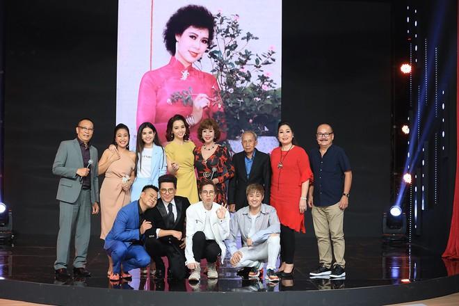 Ký ức vui vẻ: Vỡ òa khi Hoa hậu HTV lần đầu xuất hiện, tiết lộ tuổi thật U60 khiến ai cũng ngỡ ngàng - Ảnh 7.