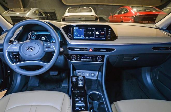 Mẫu ô tô này bán được hơn 8.300 chiếc trong vòng 1 tháng - Ảnh 6.