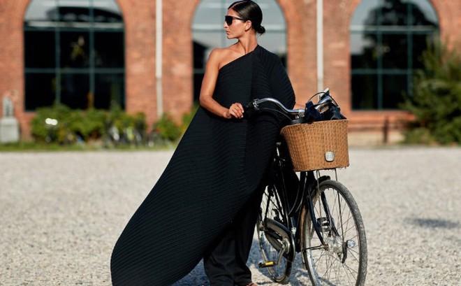 Vì sao phụ nữ Pháp lại ảnh hưởng mạnh mẽ đến xu hướng thời trang thế giới?