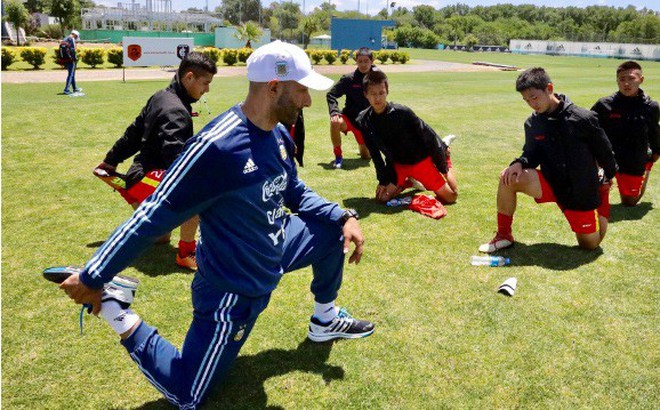 Vẫn nuôi mộng siêu cường, bóng đá Trung Quốc dốc sức tìm 'Messi mới'