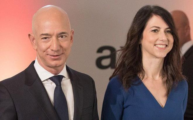 Sắp ly hôn, ông chủ Amazon có thể mất một nửa tài sản