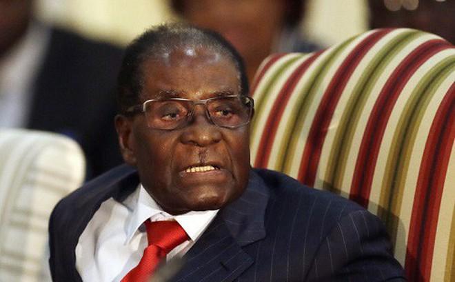 Trộm đột nhập nhà cựu Tổng thống Zimbabwe, 'khoắng' đi một vali đầy tiền