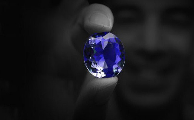 Lời nguyền chết chóc của viên kim cương Hy vọng