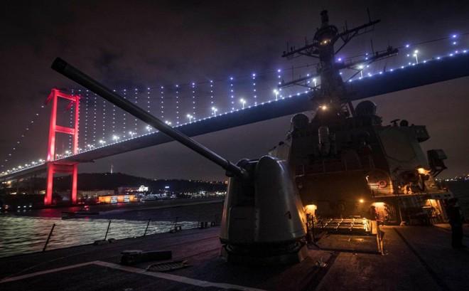Nghị sĩ Nga cảnh báo tàu chiến Mỹ tránh xa bờ biển