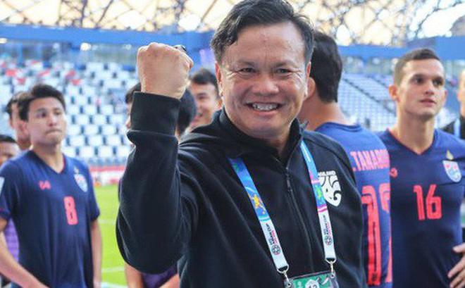 Chuyện kỳ lạ tại Asian Cup 2019: HLV Thái Lan lén lút yểm bùa cầu may nhưng bị người Trung Quốc tỉnh táo hóa giải