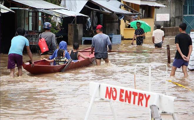 Cấm quan chức ra nước ngoài khi đất nước xảy ra thảm họa, bão lũ