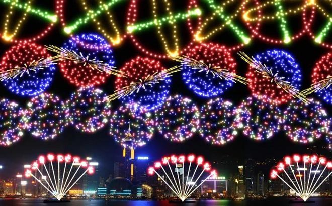 Hong Kong chi 29,5 tỷ đồng bắn pháo hoa hình mũi lợn
