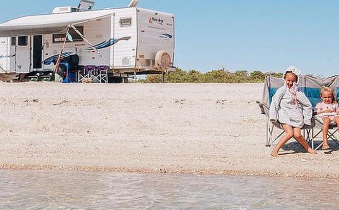 Đời không là mơ: Gia đình Úc vật lộn trở về cuộc sống thực sau 1 năm rong ruổi khắp nước trên xe tải