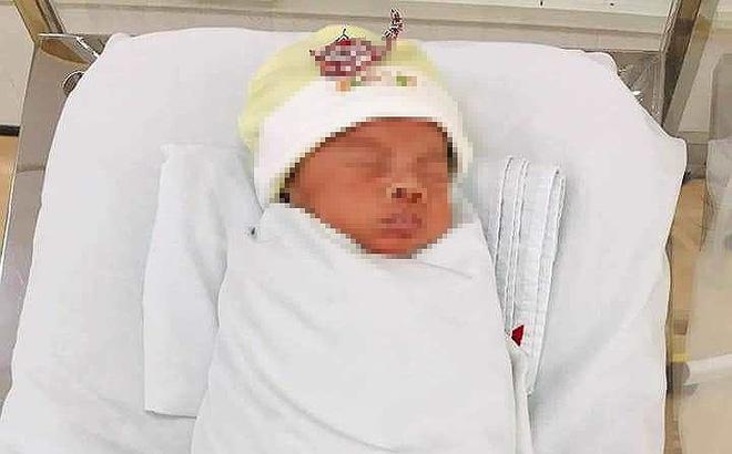 Một bé trai bị bỏ rơi ở Bệnh viện Thủ Đức
