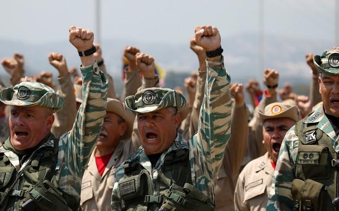 Tổng thống Venezuela muốn điều quân ra biên giới Colombia để chống lại Mỹ