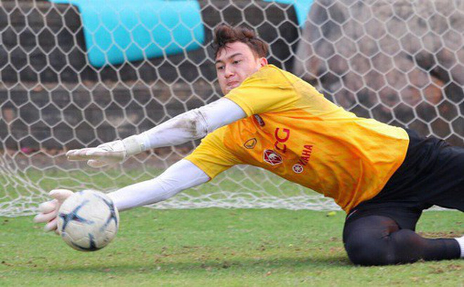 Vì Văn Lâm, Muangthong United móc hầu bao mời chuyên gia riêng kèm cặp