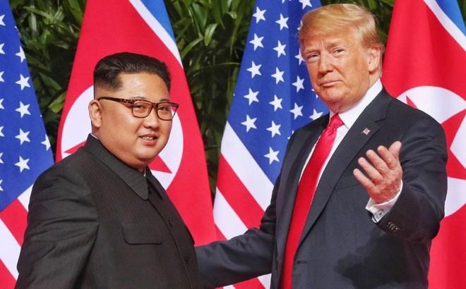 Ông Donald Trump phải chịu nhiều áp lực hơn ông Kim Jong-un khi cùng ngồi xuống bàn đàm phán lần 2