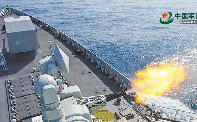 """Quân đội Trung Quốc bật mí về dàn chiến hạm """"khủng"""" đang tập trận ở Biển Đông"""