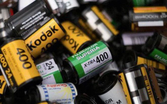 Cận cảnh quá trình tráng rửa và scan ảnh film 35mm tại các phòng lab, nhìn xong mới thấy trầm trồ